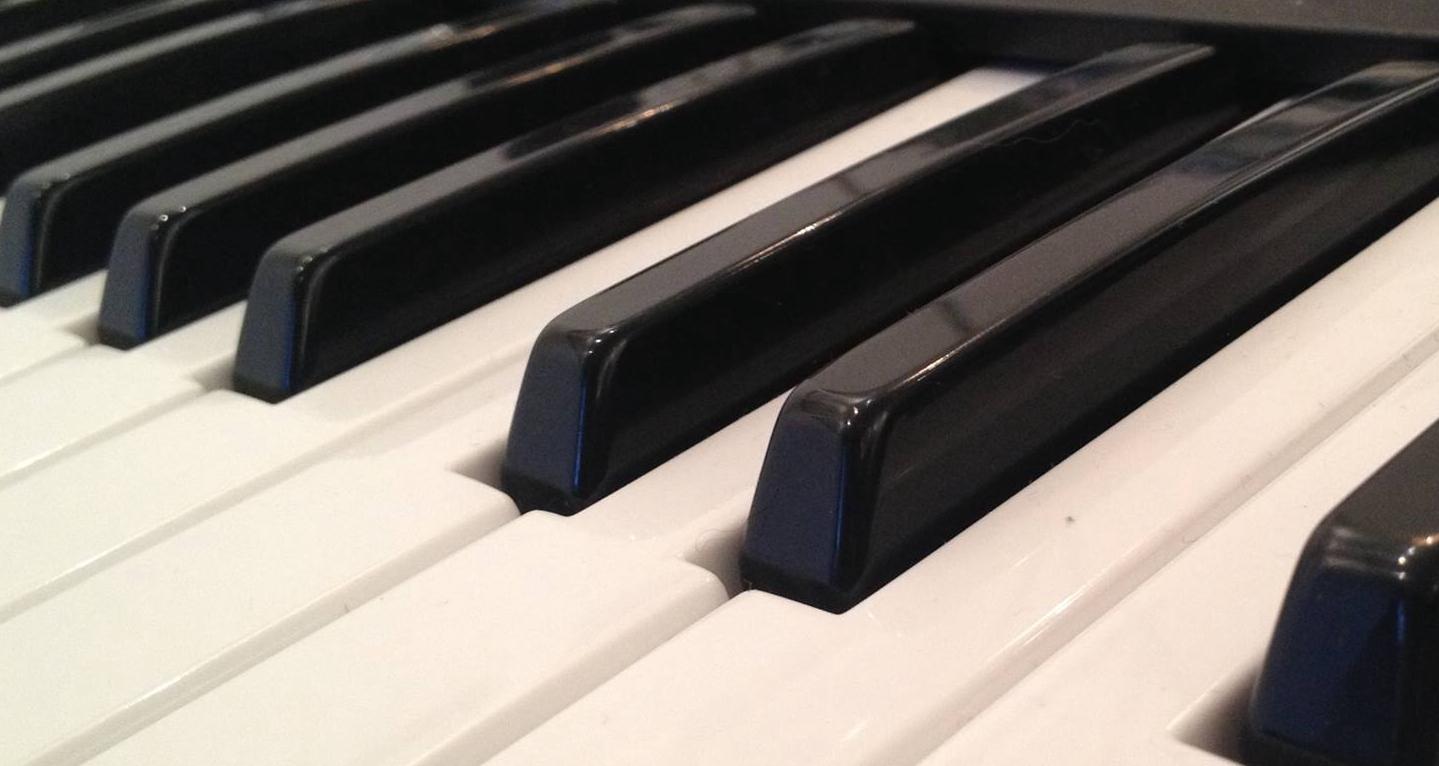 http://www.mgvleeden.de/wp-content/uploads/2016/09/Klavier.jpg